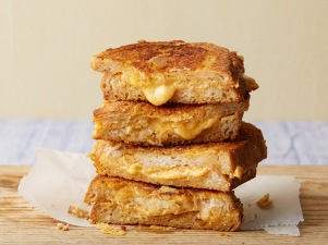 MN0707H_grilled-cheddar-cheese-sandwich_s4x3.jpg